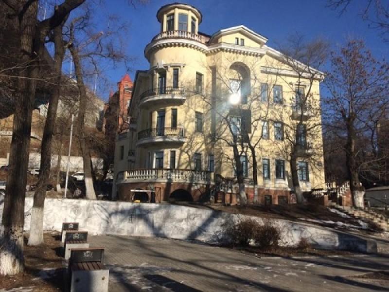 Приморский краевой художественный колледж - фото