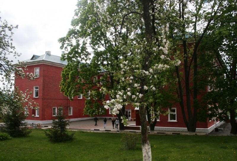 Губкинский горно-политехнический колледж - фото